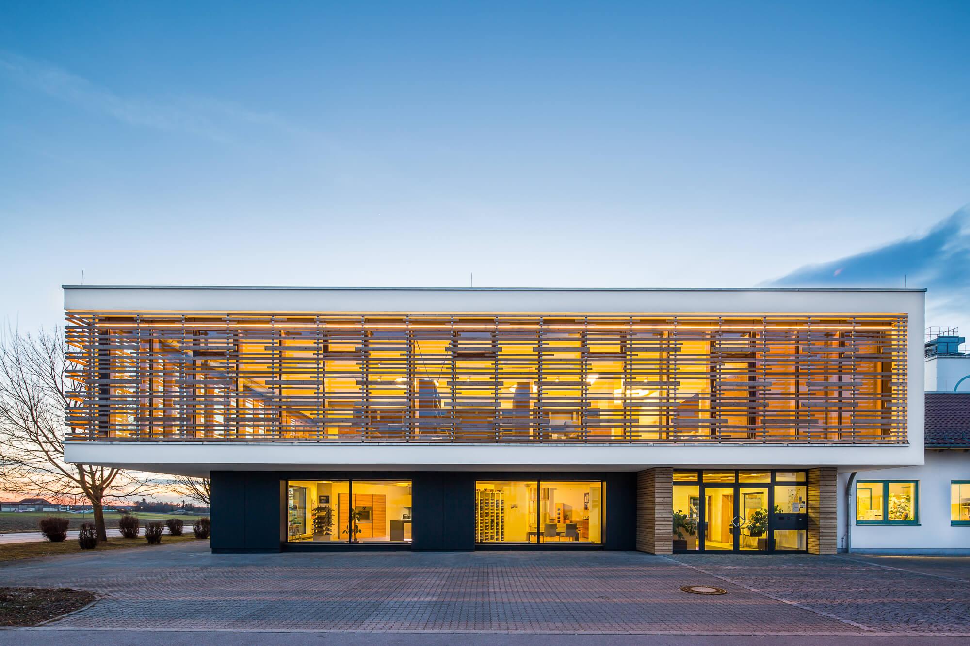 Architekturfotografie Schreinerei Lehle in Schwabmünchen, fotografiert von Werbefotograf Matthias Baumgartner