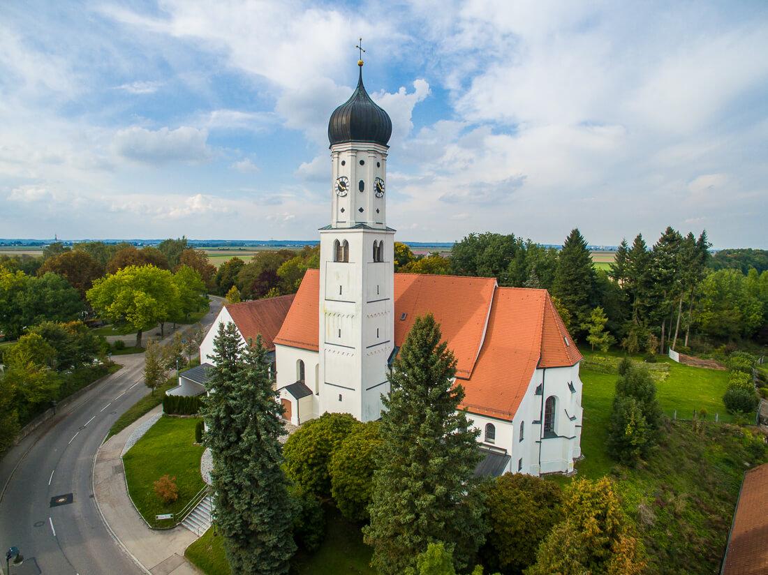 Kirche Untermeitingen, Luftaufnahme von Matthias Baumgartner