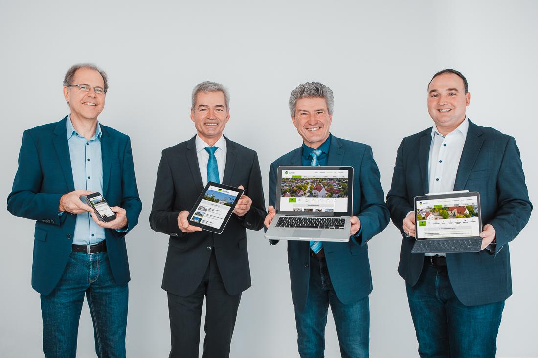 Die Bürgermeister der Lechfeld-Gemeinden Untermeitingen, Klosterlechfeld, Graben und Obermeitingen präsentieren die neue Website.