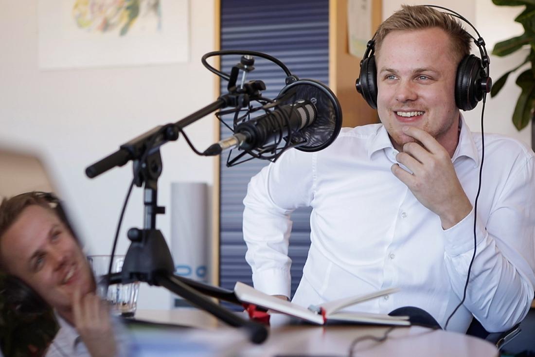 """Making Of Foto von der Podcast Produktion von """"Mutig hingehört!"""" von und mit Matthias Krause."""